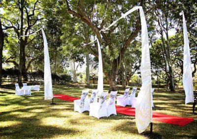 Lawn wedding at Ruggers, Albion